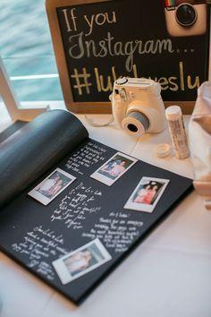 Casamento   Livro de Convidados (inspirações pra fazer o seu): Álbum de fotografias. Ainda no formato de livro, montar um álbum de fotografias fica lindo. Se você conseguir uma Polaroid pros convidados tirarem fotos duas e colocarem no álbum, a lembrança fica ainda mais especial!