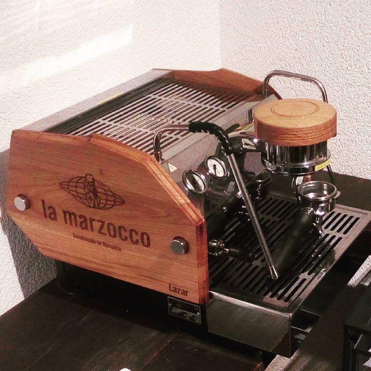 """Made it! #lamarzoccogs3 #lamarzocco #baristalife #juliusmeinl #espressoporn #coffee"""