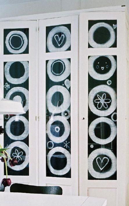 #DIY #closet #cabinet #textile #closetdoor #fabricpaint #windowpane #canvas #pattern #black #white