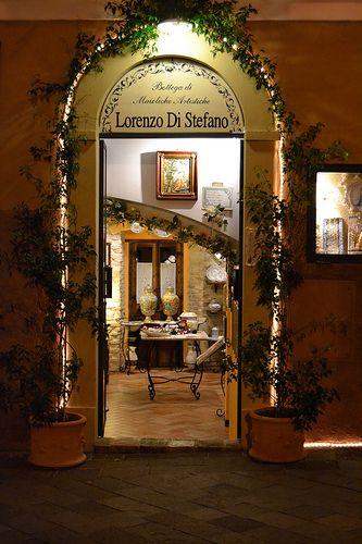 Pretty Shop in Castelli, Abruzzo, Italy