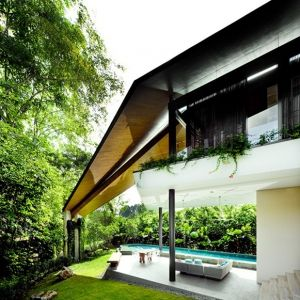 Modern Trapezium House Design Inspired by Rumah Melayu Architecture: If you are into contemporary architecture, you will find this residential project, designed by the K2LD Architects in Singapore, beautiful and creative. Inspired by the traditional