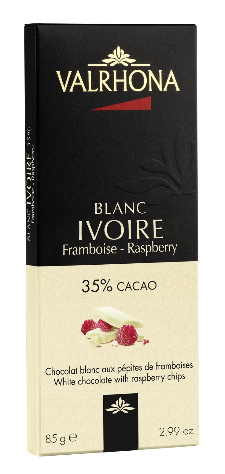 IVOIRE 35% Pépites de Framboises Toute la douceur d'Ivoire, chocolat blanc peu sucré aux arômes délicats de lait frais et de vanille, éveillée par des pépites de framboise acidulée IVOIRE 35% Raspberry Chips Smooth, yet not-too-sweet, Ivoire white chocolate, with its delicate hint of vanilla and fresh milky taste, is livened up with tangy raspberry chips.