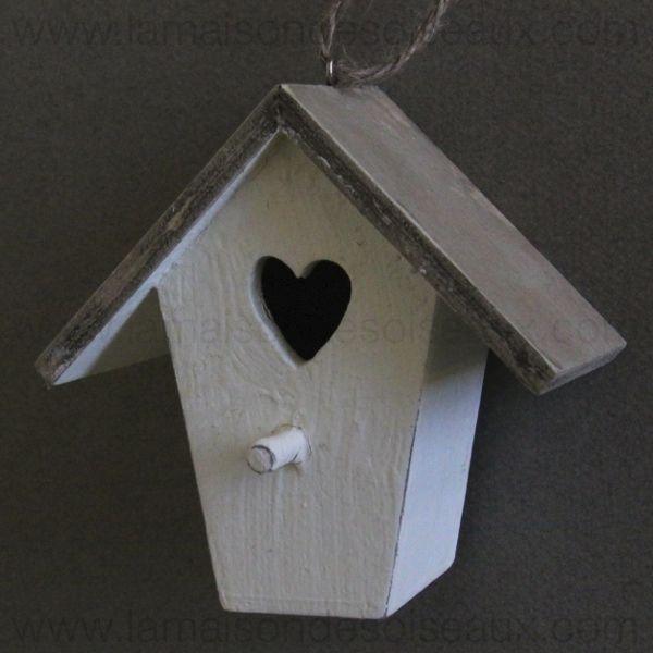 mini nichoir deco en bois a suspendre la maison des. Black Bedroom Furniture Sets. Home Design Ideas