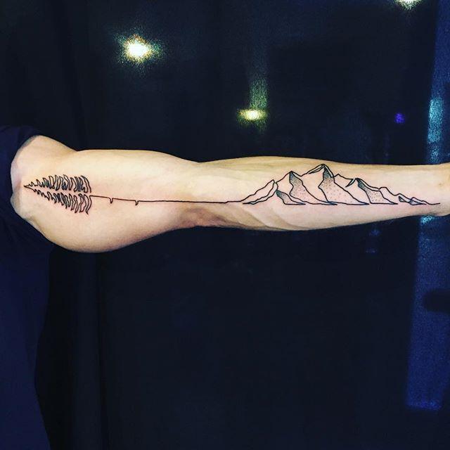pnw tattoo, pinetree tattoo, pine tattoo, evergreen tattoo, mountains tattoo, line tattoo