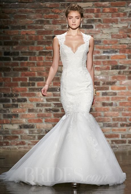 Alvina valenta spring 2014 queen anne lace and satin for Queen anne neckline wedding dress