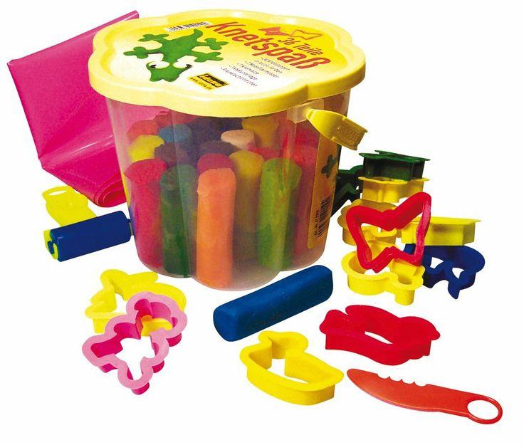 Idena 619019 - Secchio di creta, 24 pezzi e 9 formine: Amazon.it: Giochi e giocattoli