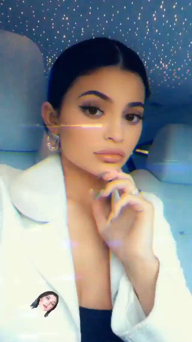 Kylie Jenner Brasil On Twitter Kylie Via Instagram Stories Kylie Jenner Instagram Kylie Jenner Selfies Kylie Jenner Kylie jenner eye roll wallpaper