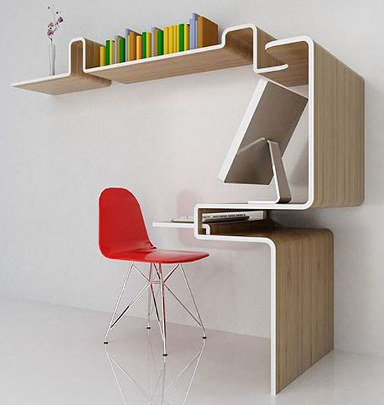 Computer station for small spaces