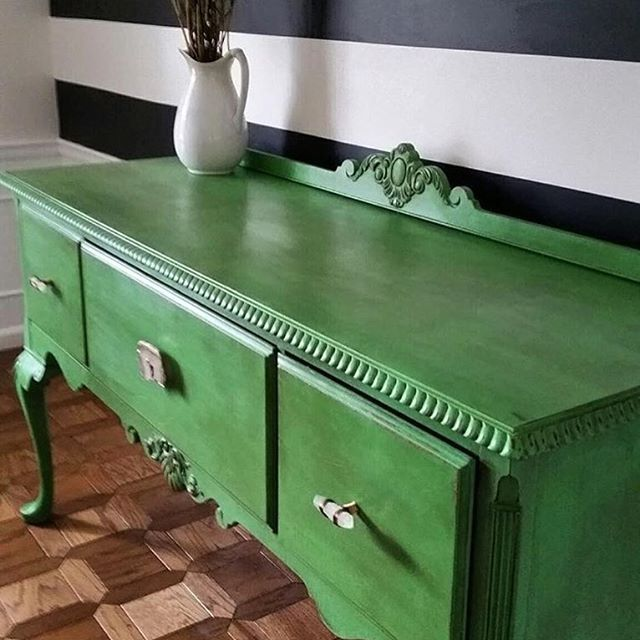 Buffet in Antibes Green Chalk Paint® and finished with Annie Sloan Clear and Dark Wax | Project: @jspooner9 on Instagram