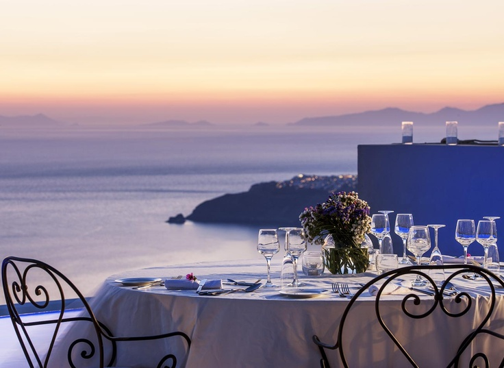 Dinner Reservation ... in Heaven ... La Maltese Estate Santorini