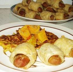 Egy finom Tésztában sült virsli zöldséglepénnyel ebédre vagy vacsorára? Tésztában sült virsli zöldséglepénnyel Receptek a Mindmegette.hu Recept gyűjteményében!