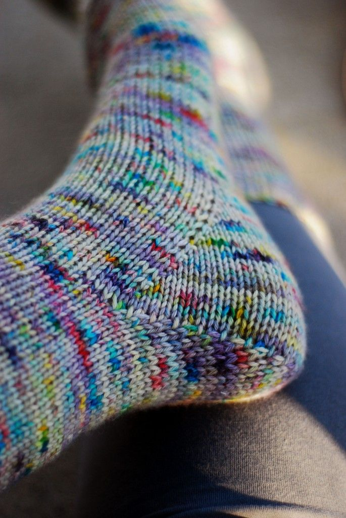 Knitting Patterns Heel Less Socks : 17 Best images about knit: socks: heels + toes on Pinterest Knitting daily,...