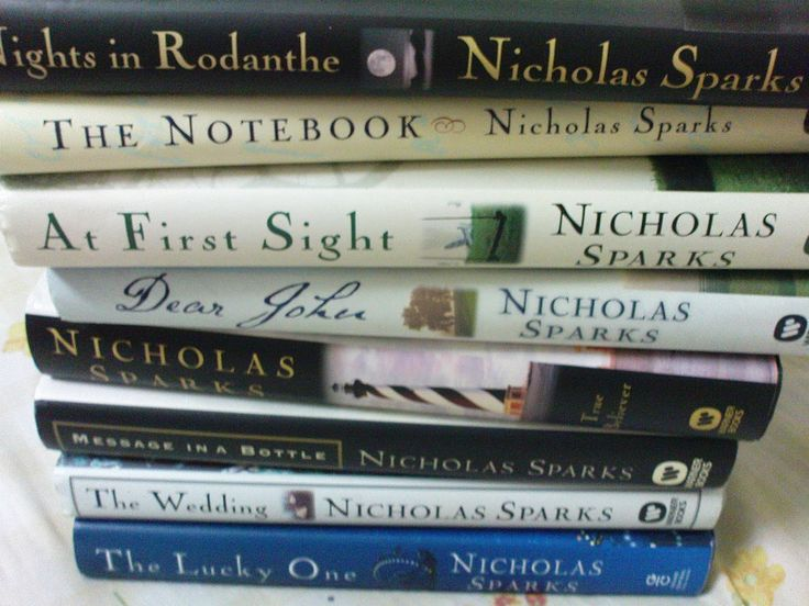 LoVe anything by Nicholas Sparks!
