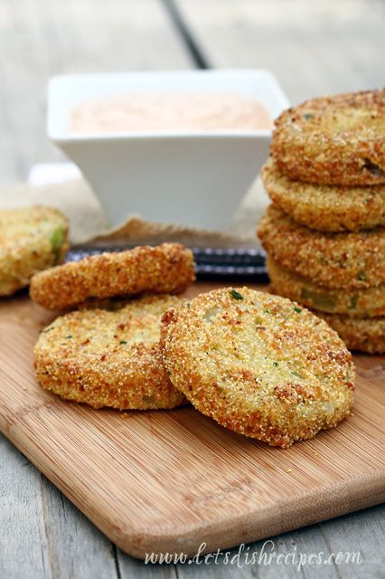Fried Green Tomatoes with Buttermilk Barbecue Dipping Sauce