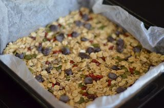 Forever Nutrition: Chocolate chip muesli bars with seeds and goji ber...