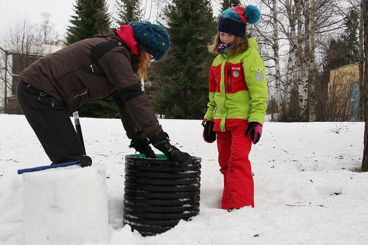 Lumenveisto sopii koko perheelle ulkoilulajiksi. Oulu (Finland)
