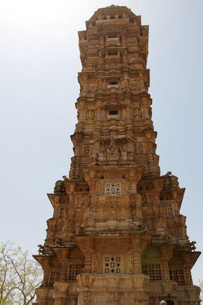 インド チットガー砦の侵略者によって建てられたヴィジェイ・スタンバ「勝利の塔」高さ37m