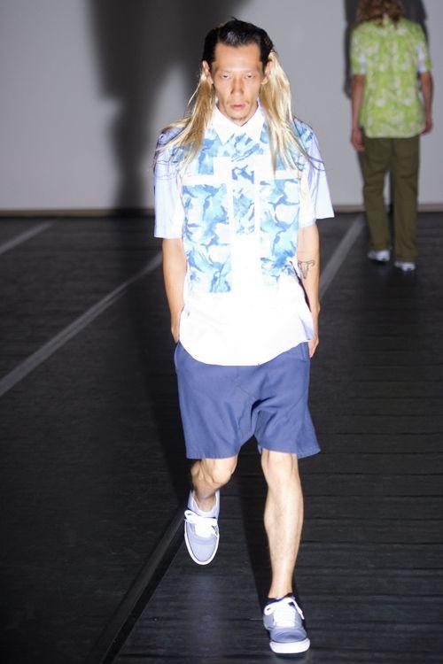 【ガンリュウ GANRYU】 渡辺淳弥の下で、ジュンヤワタナベ・コム デ ギャルソンのパタンナーを担当する。2008年、コム デ ギャルソン社から自身の名を冠したブランドGANRYU(ガンリュウ)をスタート。ロック調でストリートの感覚を取り込んだファッションを発表した。