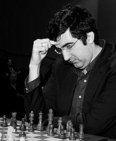 Vladimir Kramnik became world chess champion beating the greatest chess giant. Whom? #chess #chessgeeks