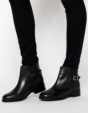 ASOS boots (similar style worn here http://chicityfashion.com/snow-day-style/)