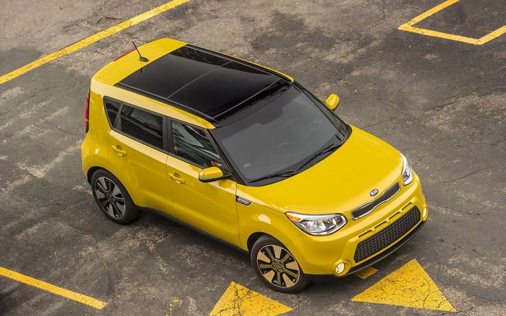 All new 2016 Kia Soul comes with AWD and turbo power option - http://www.carspoints.com/wp-content/uploads/2015/01/2016-Kia-Soul-Top-View-1280x800.jpg