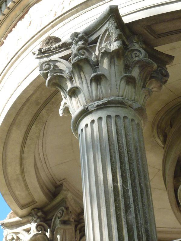 Columna Jónica en el tanque de agua en Santos Pagos, ciudad de La Plata, Buenos Aires Argentina