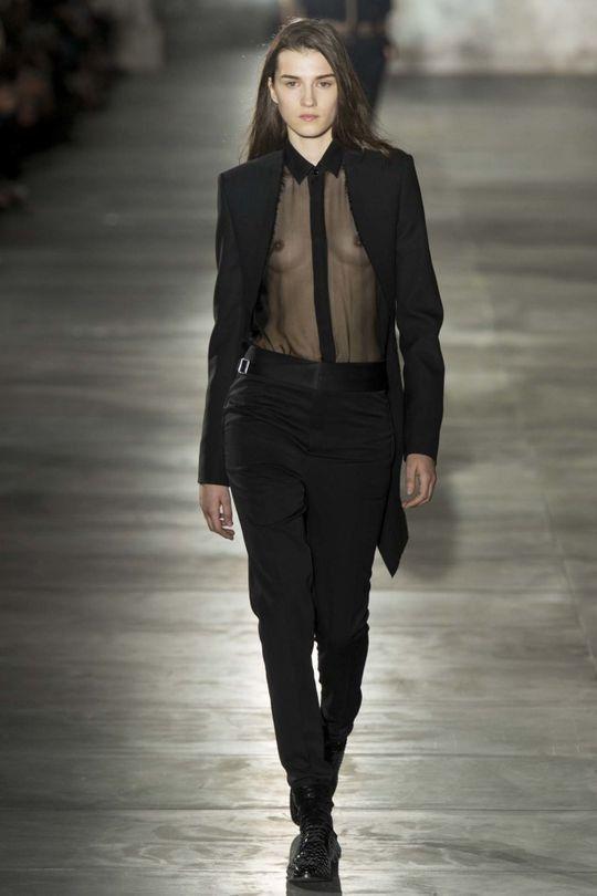 Saint Laurent ready-to-wear spring/summer '17 - Vogue Australia