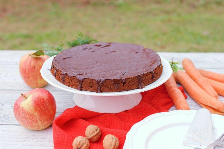 Ako pripraviť jablkovo-mrkvový kolač?