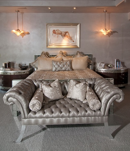 Hollywood Glam Bedroom Design, I'm thinking silver, velvety, furry, shiny, black white, clean, warm, curtain,headboard lights