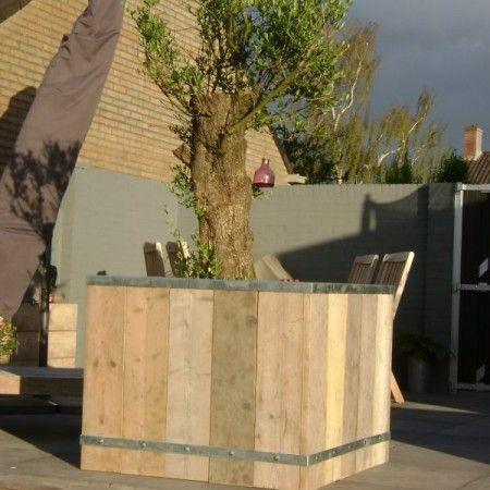 plantenbak steigerhout en verzinkt staal