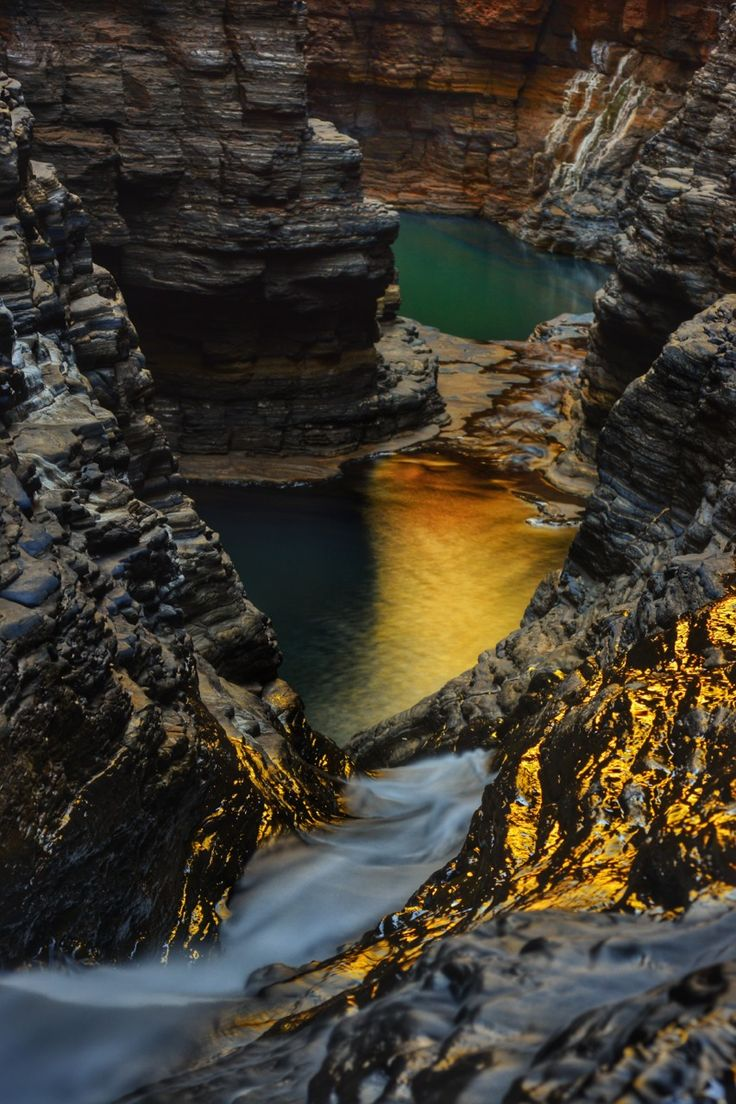 (  kuruvita:      Karijini national park Western Australia