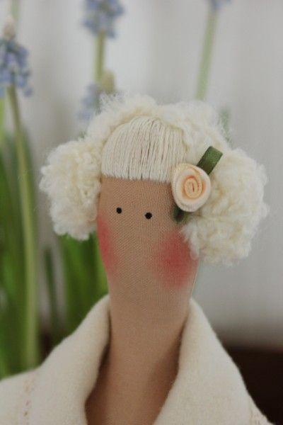 Close-up of Tilda's hair