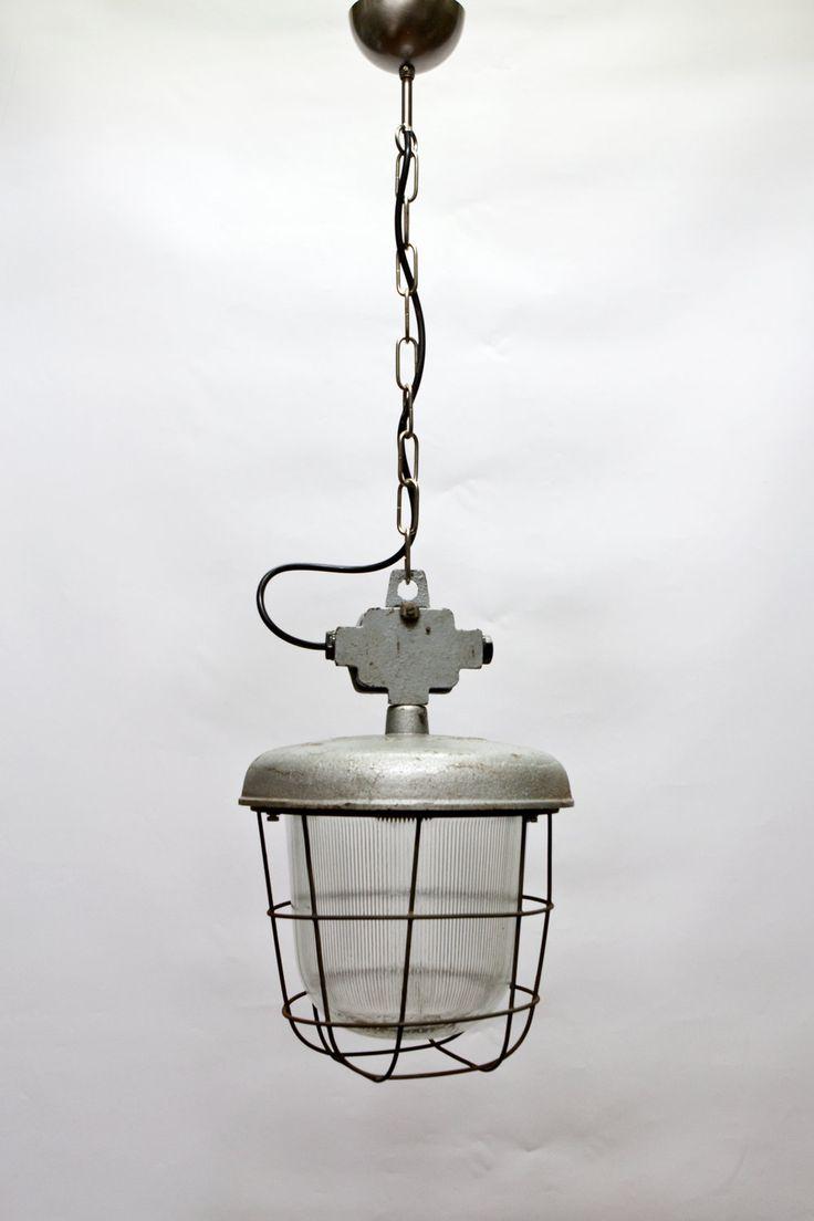 Oude Hanglamp, Industrieel Design, Glazen kap met metalen kooi € 139