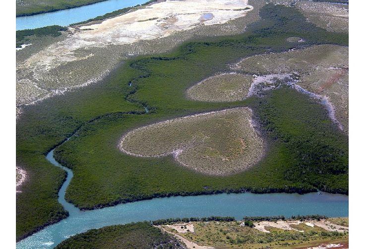 Grand Terre & Ile des Pins 13j- http://www.evaneos.com/nouvelle-caledonie/itineraire/815-package-lune-de-miel-grand-terre-ile-des-pins/