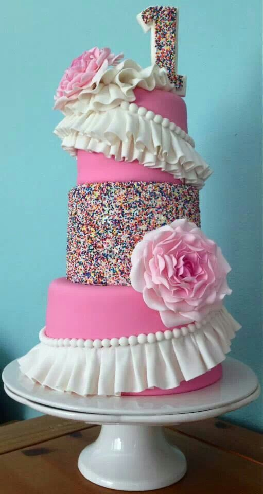 Beautiful cake! nur zwei stöckig
