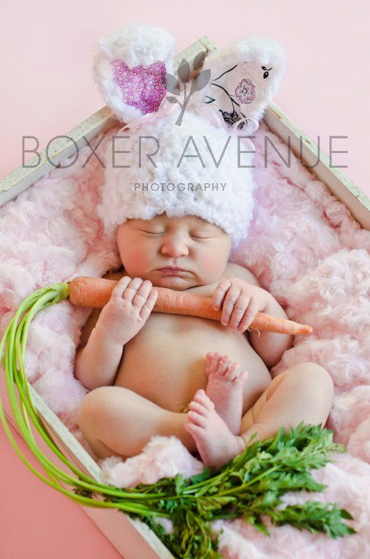 I totally want to try things like this at our Easter mini sessions.    Newborn Photographer | Baby Picture  | Boxer Avenue Photography | Muskegon MI    www.fb.com/...