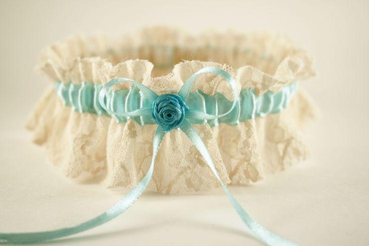 кружевная подвязка невесты
