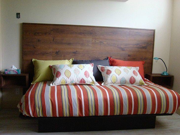 tete de lit en parquet finest fabrication maison duune tte de lit avec ses tables de chevet. Black Bedroom Furniture Sets. Home Design Ideas