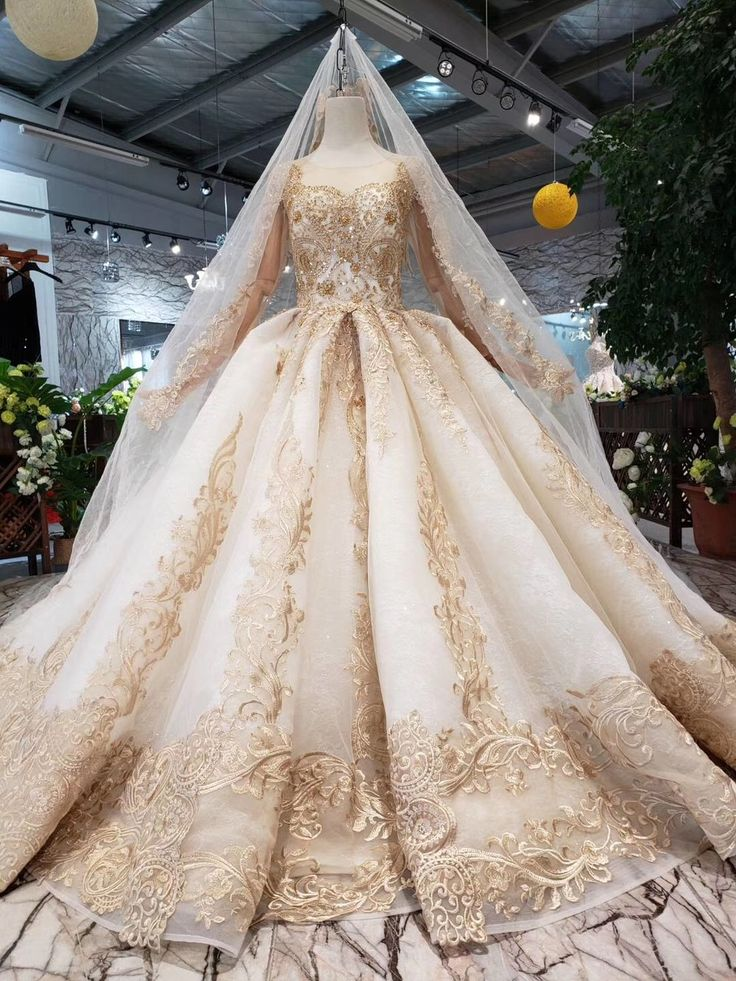 2019 New Prom Dresses Long Sleeves Ball Gown Scoop With Applique&Beads Lace Up Back SAPGAKM5ZZ