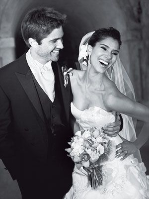 Roselyn Sanchez & Eric Winter at their wedding in Puerto Rico in 2007.