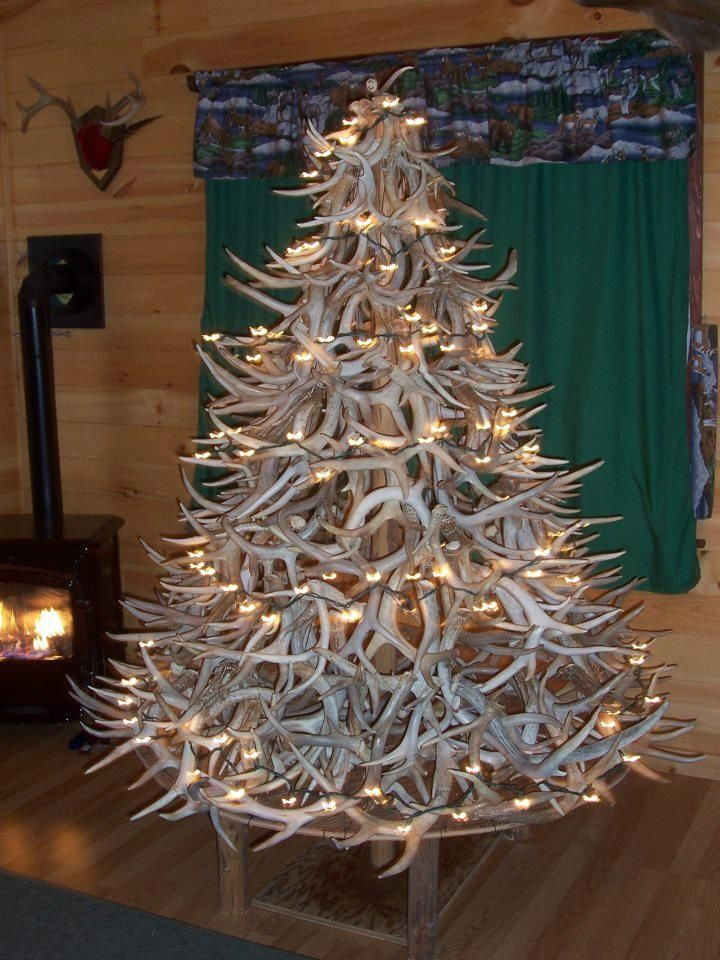Antler christmas tree antler christmas tree decor for Antler decoration ideas