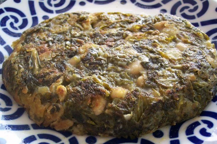Ingredientes 1 berza - 3 patatas medianas - 150g de alubias secas - 2 dientes de ajo - aceite de oliva - caldo de verduras o agua - sal Re...