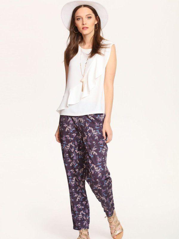 Spodnie damskie granatowe  - spodnie długie - TOP SECRET. SSP2295 Świetna jakość, rewelacyjna cena, modny krój. Idealnie podkreśli atuty Twojej figury. Obejrzyj też inne spodnie tej marki.