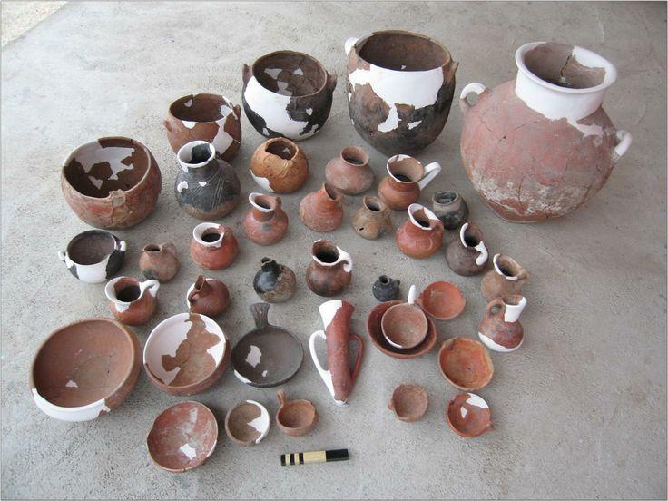 Küllüoba - University of New England (UNE) Fig. 4: Pottery found in 2006