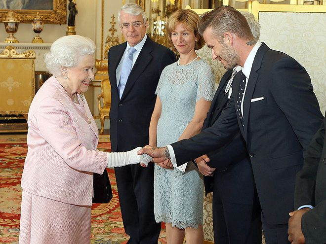 Star Tracks: Tuesday, June 23, 2015 | BRITAIN'S BEST | Two of the U.K.'s most famous people – Queen Elizabeth II and David Beckham – meet at a Buckingham Palace reception to celebrate the Queen's Young Leaders program on Monday.