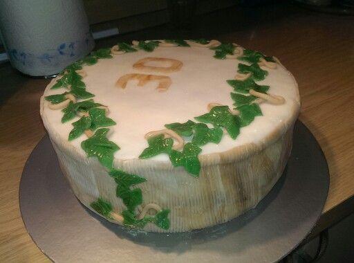 Cake Decorating Ivy Leaves : Ivy leaf cake cake inspiration Pinterest Ivy leaf ...