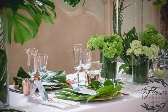 """Come riuscire a fare colpo sui nostri clienti quando ci chiedono di allestire un pranzo, una cena o un buffet per un effetto WOW? Corso """"Table Setting"""" della Silviadeifiori Flower & Wedding School."""