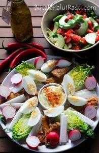 Salata de cruditati.