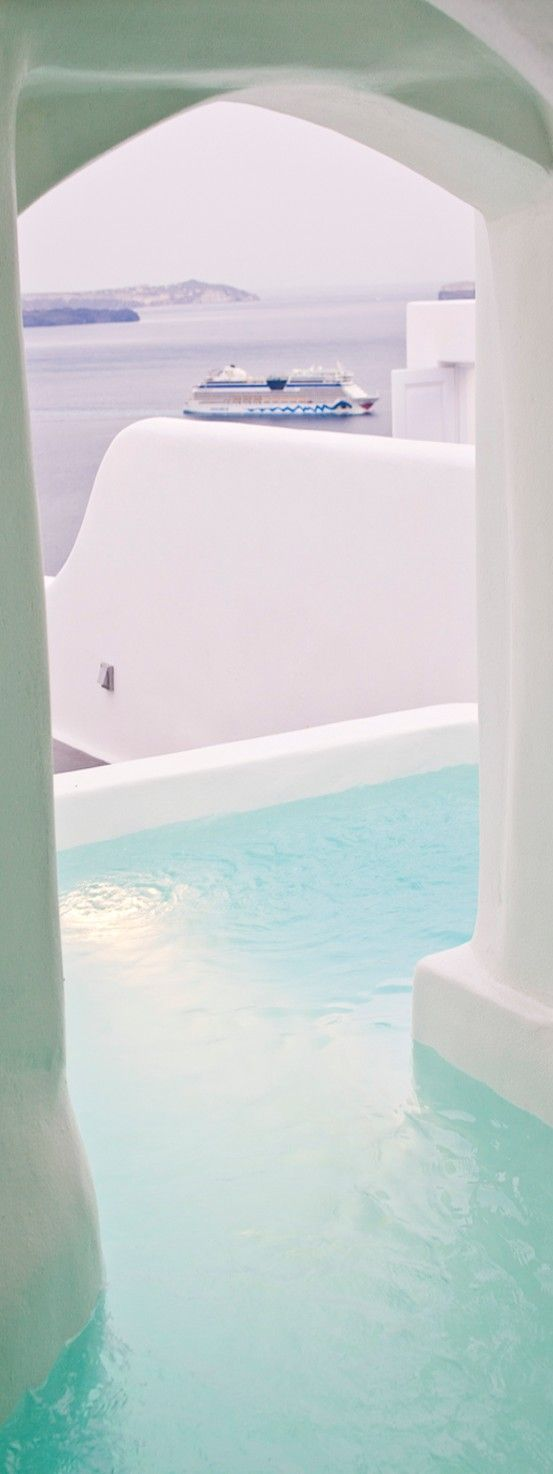 Canaves Oia Hotel in Santorini | LOLO