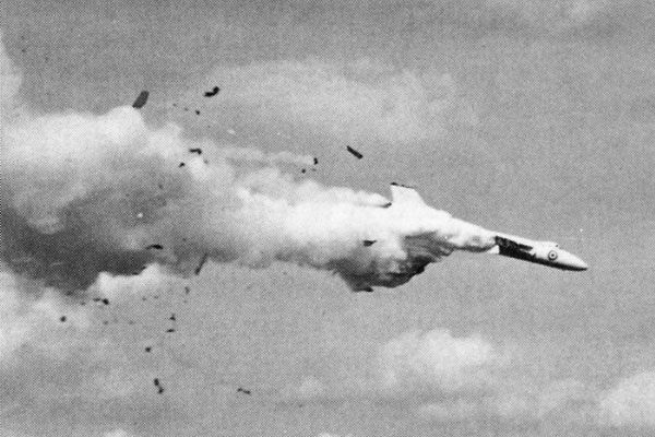 Structural Failures: Avro Vulcan VX770 (1958). Wings broke off due to overspeed while rolling. Deaths 4 (all).